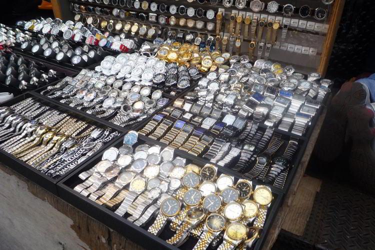 Kinh nghiệm phân biệt đồng hồ fake một cao cấp và đồng hồ fake khác