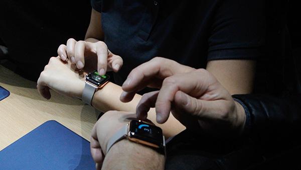 rot-cuoc-smartwatch-dang-di-len-hay-di-xuong-5