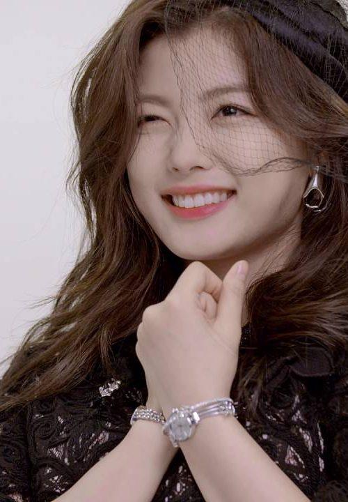Kim Yoo Jung Đại sứ thương hiệu – Đồng hồ Julius đẳng cấp từ Hàn Quốc