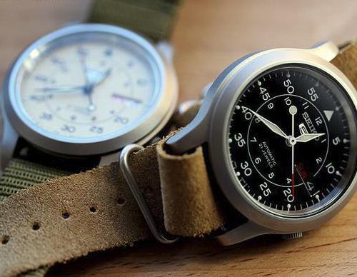 Những điểm khác nhau của đồng hồ Quartz và đồng hồ cơ