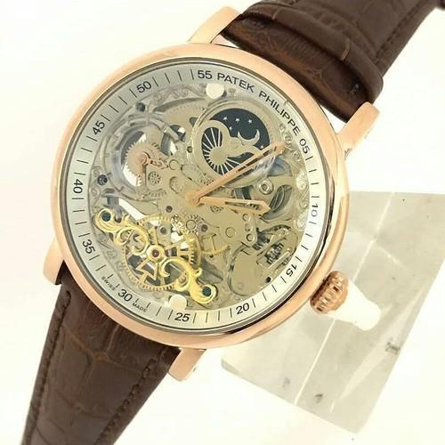 Đồng hồ kính cong có tác dụng gì? Vì sao bạn nên chọn mua đồng hồ kính cong
